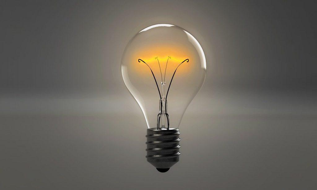 Pensando - Lampada